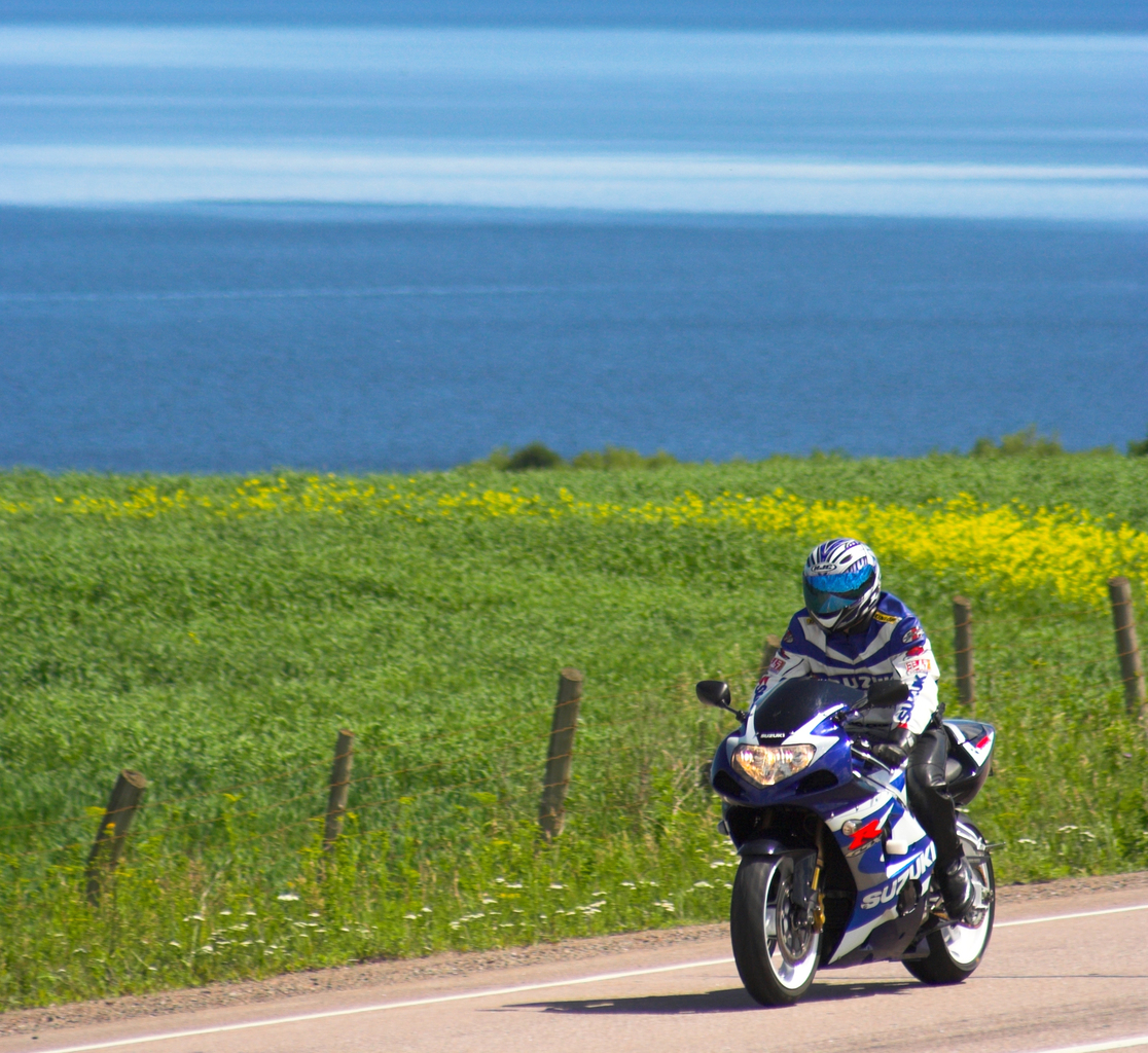 http://travelodgealma.com/wp-content/uploads/sites/2/2014/10/mototourisme_roberval_charles_david_robitaille_6_copy1.jpg